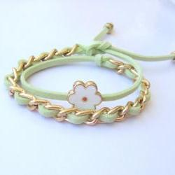 Gold chain double wrap daisy bracelet in lime green